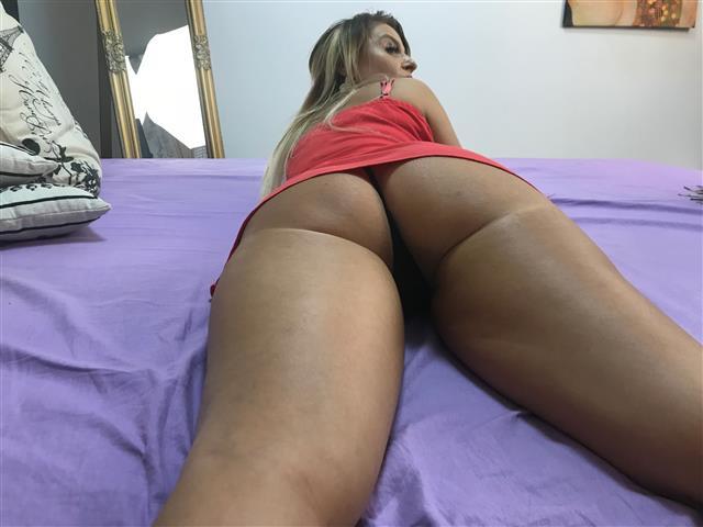 LaurenBond